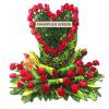 Compañía arreglo floral en corazón |flor y vida