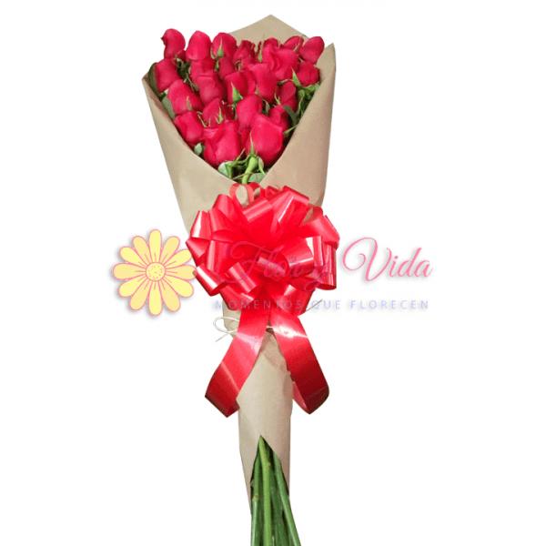 Bouquet de flores rosas o Ramo de flores
