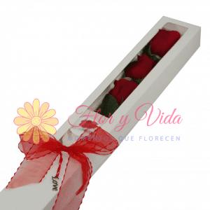 Sentido de amor caja de rosas | flor y vida