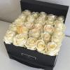Caja de rosas blanca/o