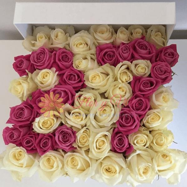 Caja de rosas morado/a